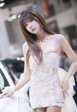 Người mẫu châu Á mang vẻ đẹp tựa