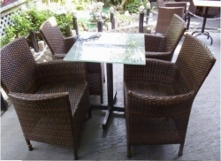 Cách chọn mua bàn ghế cafe phù hợp với không gian
